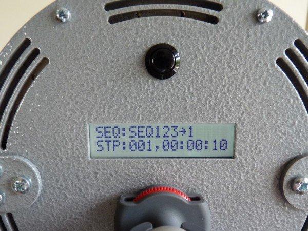 Photic stimulation device display